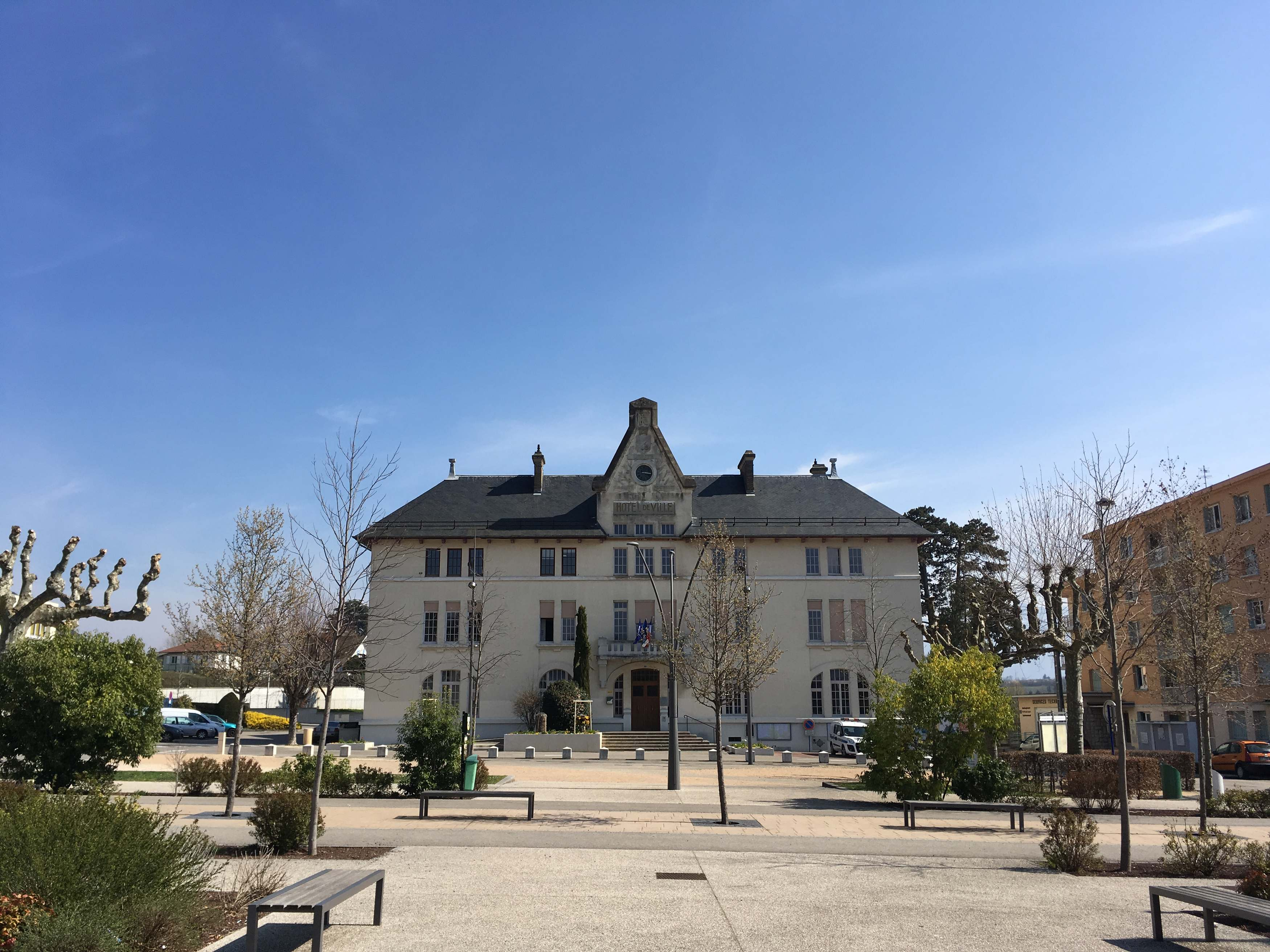 Mairie de Rives 38140